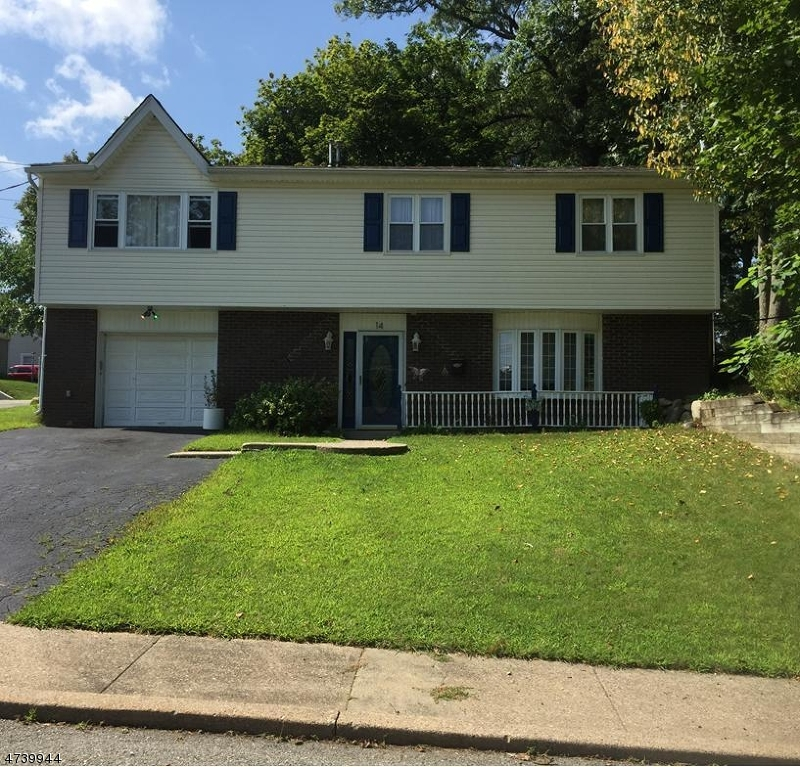 Частный односемейный дом для того Продажа на 14 Curtis Street Wharton, Нью-Джерси 07885 Соединенные Штаты