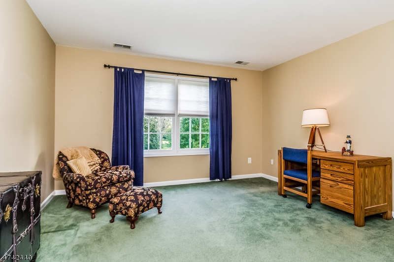 Additional photo for property listing at 211 Ronan Way  Branchburg, New Jersey 08853 Hoa Kỳ