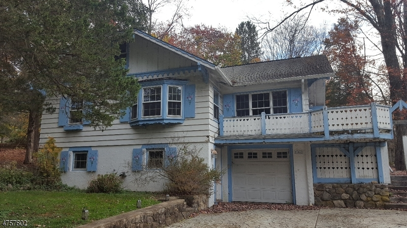 Einfamilienhaus für Verkauf beim 106 Overlook Road 106 Overlook Road Andover Township, New Jersey 07860 Vereinigte Staaten