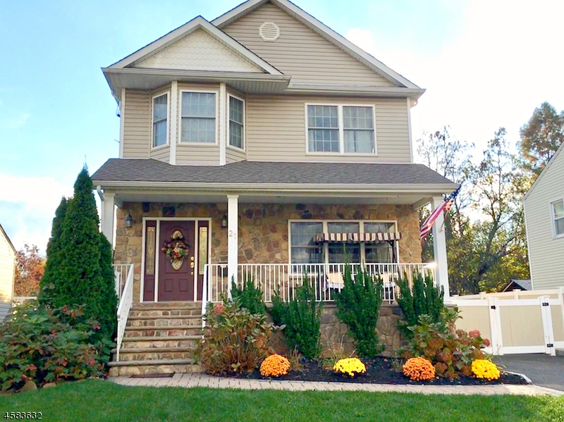 Single Family Home for Sale at 21 Gibson Blvd 21 Gibson Blvd Clark, New Jersey 07066 United States