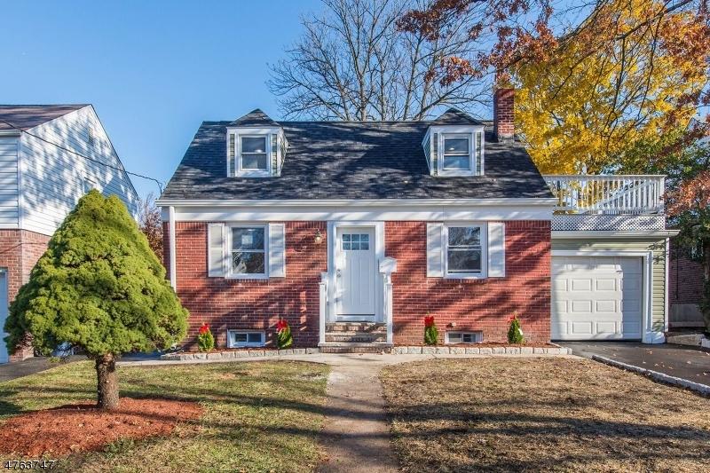 独户住宅 为 销售 在 488 Parker Avenue 哈克萨克市, 新泽西州 07601 美国