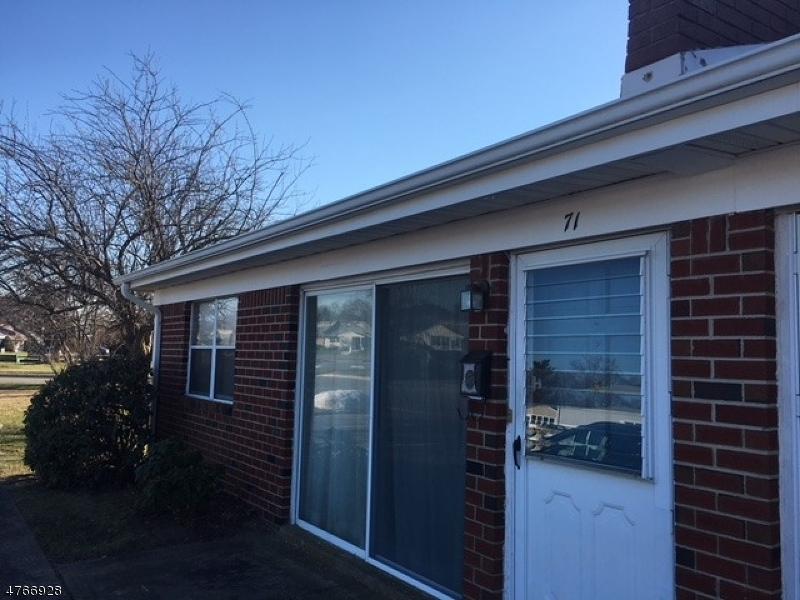 Nhà ở một gia đình vì Bán tại 71 River Edge Drive 71 River Edge Drive Brick Township, New Jersey 08724 Hoa Kỳ
