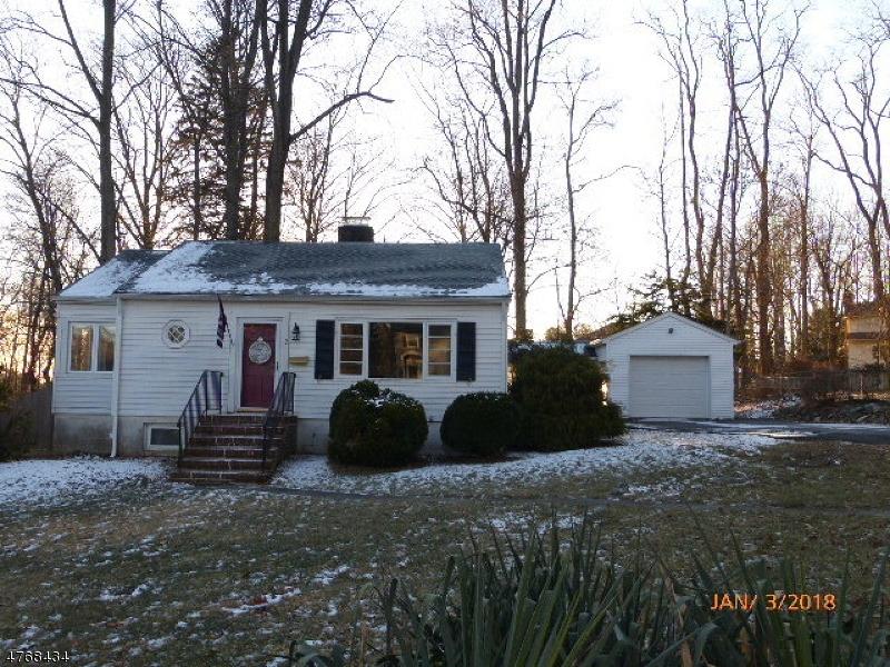 Casa Unifamiliar por un Alquiler en 12 Trowbridge Road Morris Plains, Nueva Jersey 07950 Estados Unidos