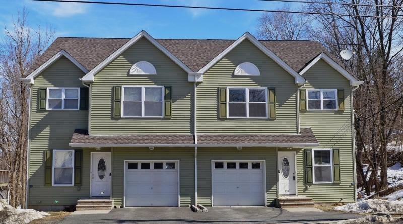 Частный односемейный дом для того Аренда на 95 Trinity Street Newton, Нью-Джерси 07860 Соединенные Штаты