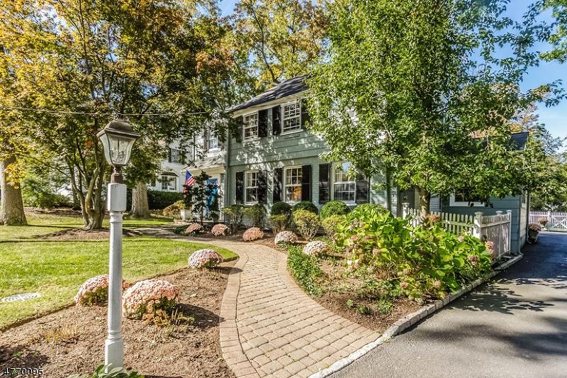 独户住宅 为 销售 在 52 Edgewood Road 查塔姆, 新泽西州 07928 美国