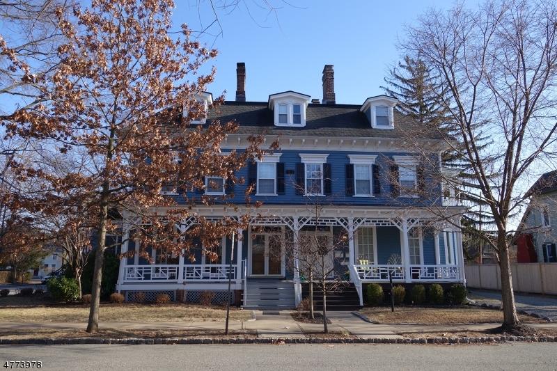 Частный односемейный дом для того Аренда на 2 Perry Street Morristown, Нью-Джерси 07960 Соединенные Штаты