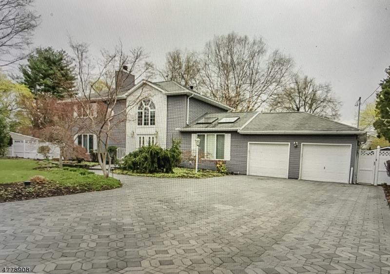 Maison unifamiliale pour l Vente à 15 Kinney Place Pequannock, New Jersey 07444 États-Unis