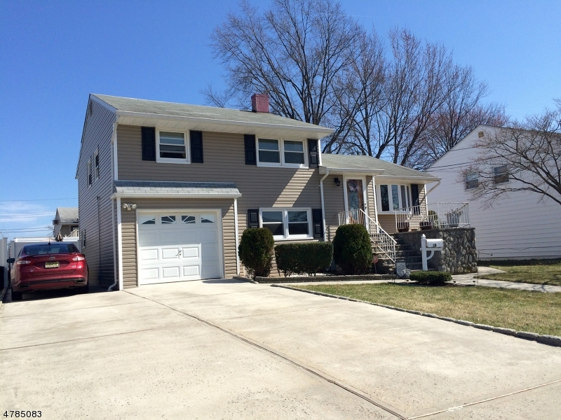 Single Family Home for Sale at 10 Ginda Avenue 10 Ginda Avenue Carteret, New Jersey 07008 United States