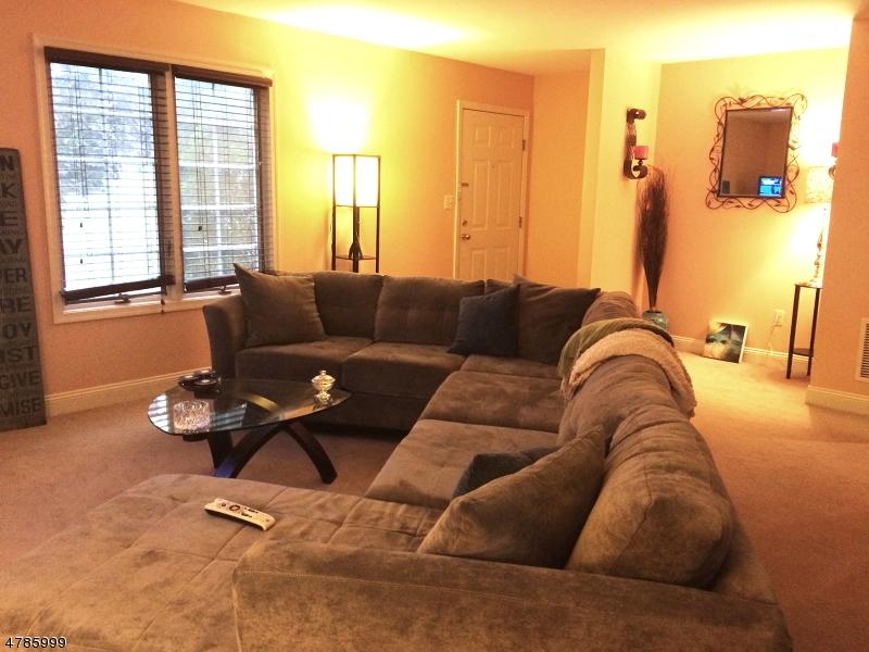 独户住宅 为 出租 在 848 Springfield Avenue 新普罗维登斯岛, 新泽西州 07974 美国