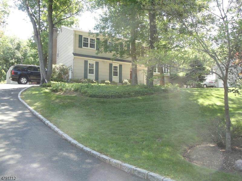 Maison unifamiliale pour l à louer à 42 Stonewyck Drive Chatham, New Jersey 07928 États-Unis