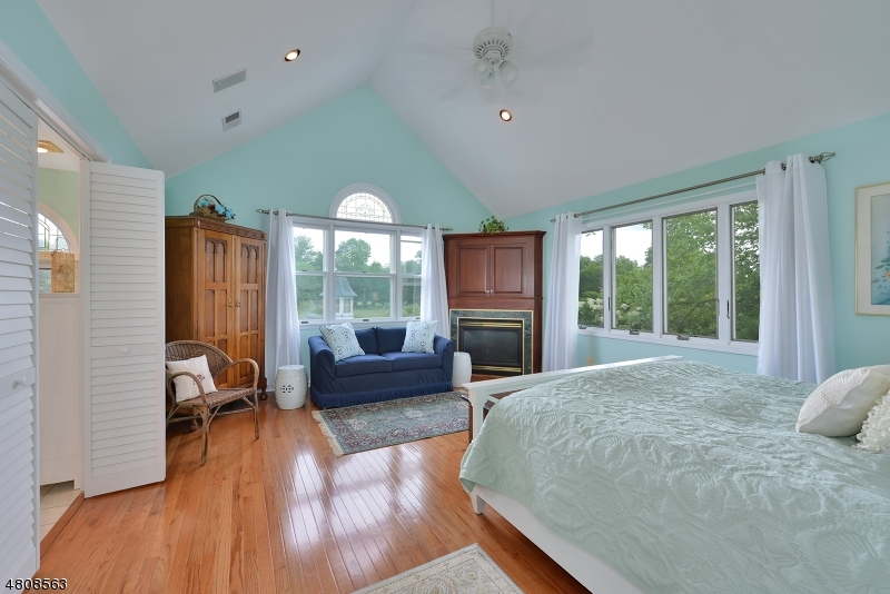 Additional photo for property listing at 11 COACHMAN Drive  Union, New Jersey 08827 United States