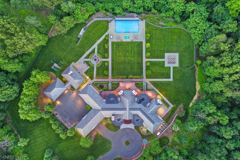 Additional photo for property listing at 32 CLUB WAY Cedar Grove, New Jersey 07009 United States
