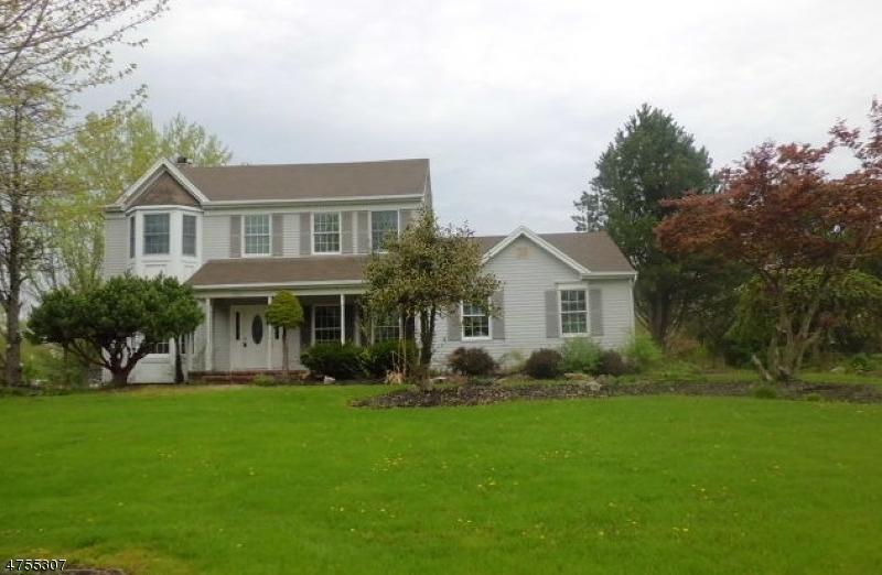 独户住宅 为 销售 在 221 Arbor Drive Greenwich, 新泽西州 08886 美国