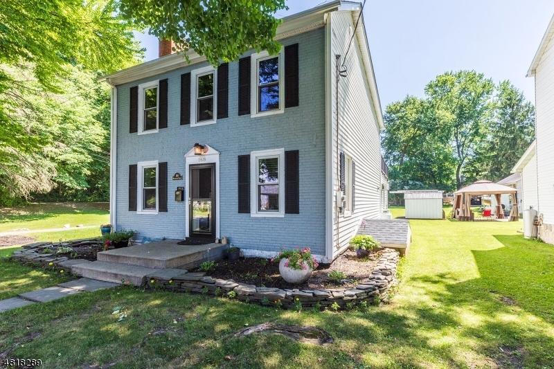 Enfamiljshus för Försäljning vid 168 WASHINGTON Street Belvidere, New Jersey 07823 Usa