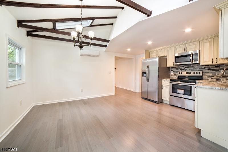 Property 为 销售 在 3 CLIFFSIDE TER 弗农, 新泽西州 07461 美国