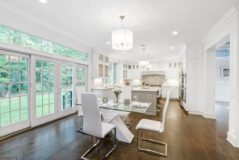 Single Family Home for Sale at 10 LITTLE WOLF RD 10 LITTLE WOLF RD Summit, New Jersey 07901 United States