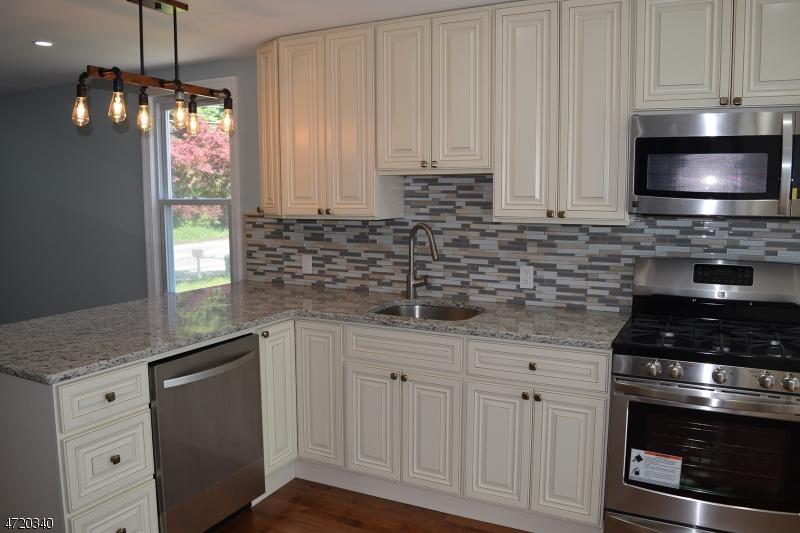 Additional photo for property listing at 20 CANFIELD Avenue  Mine Hill, Nova Jersey 07803 Estados Unidos