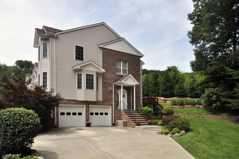 Кондо / дом для того Продажа на 17 ROCK CREEK TER Riverdale, Нью-Джерси 07457 Соединенные Штаты