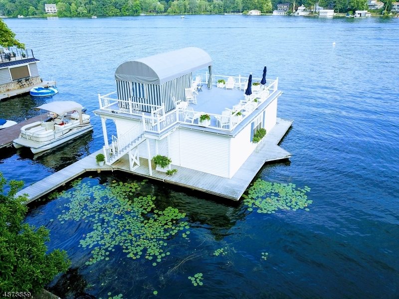 Частный односемейный дом для того Продажа на 332 LAKESIDE Avenue Hopatcong, Нью-Джерси 07821 Соединенные Штаты