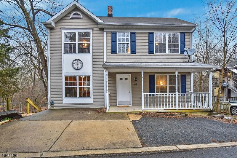 Частный односемейный дом для того Продажа на 49 WILLOW Avenue Bloomsbury, Нью-Джерси 08804 Соединенные Штаты