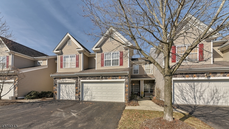 Condo / Townhouse for Sale at Pompton Lakes, New Jersey 07442 United States