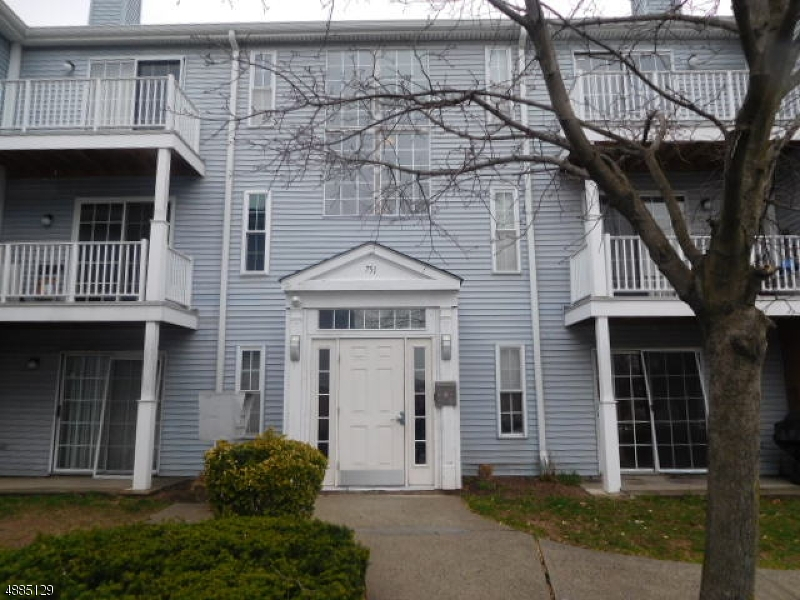 Condominium for Sale at 751 SUMMER AVE #3B 751 SUMMER AVE #3B Newark, New Jersey 07104 United States