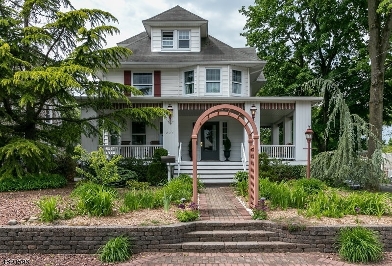 Single Family Home for Sale at Dunellen, New Jersey 08812 United States