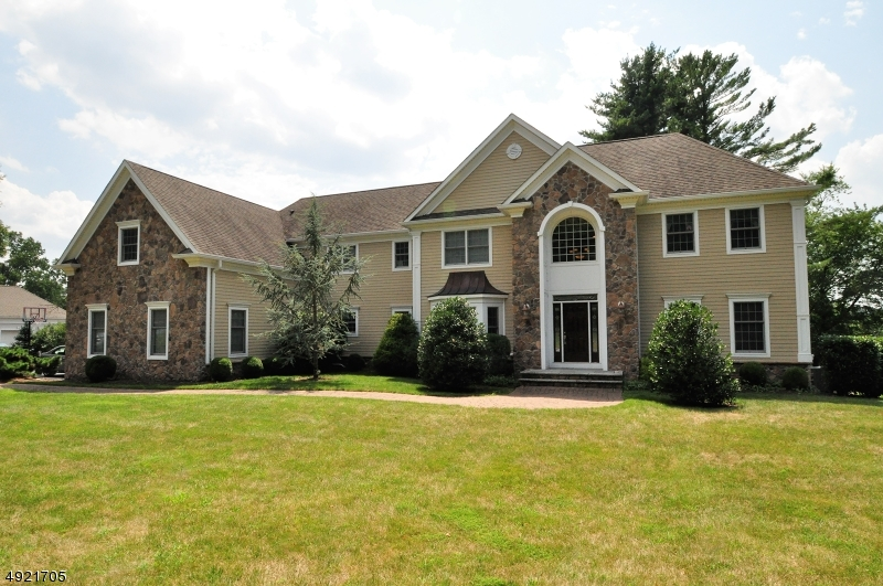 Single Family Homes for Sale at 1680 WASHINGTON VALLEY Road Bridgewater, New Jersey 08836 United States