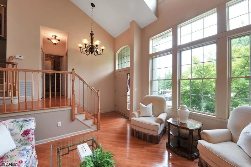 Eigentumswohnung / Stadthaus für Verkauf beim North Haledon, New Jersey 07508 Vereinigte Staaten