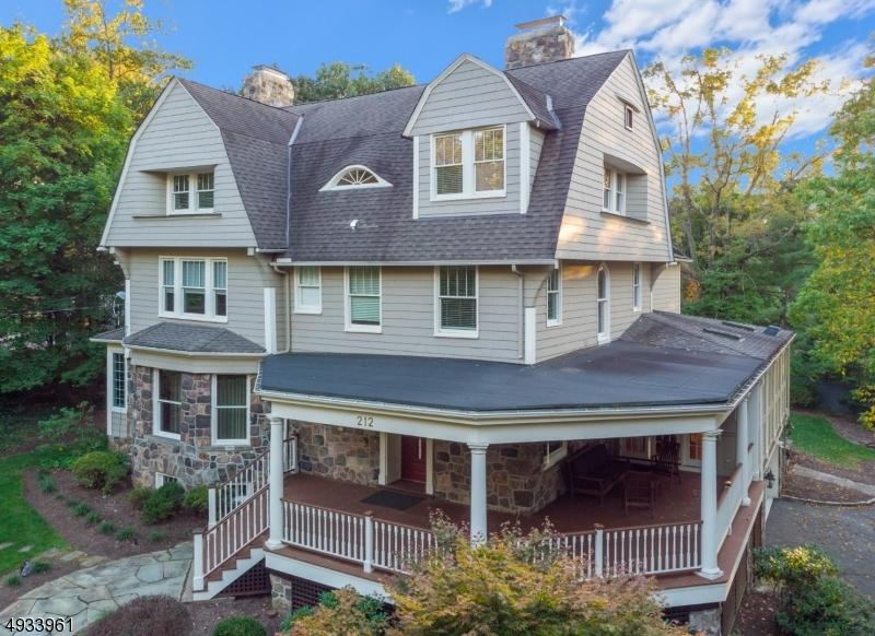 Single Family Homes للـ Sale في Summit, New Jersey 07901 United States