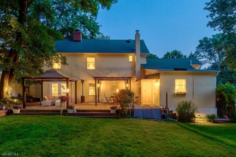 Single Family Homes für Verkauf beim Hillsdale, New Jersey 07642 Vereinigte Staaten