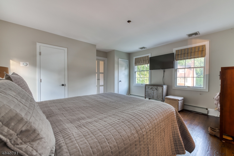 Additional photo for property listing at  Hillsdale, New Jersey 07642 Vereinigte Staaten