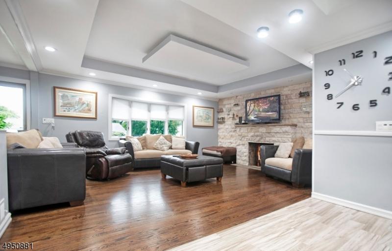 Single Family Homes 為 出售 在 Springfield, 新澤西州 07081 美國