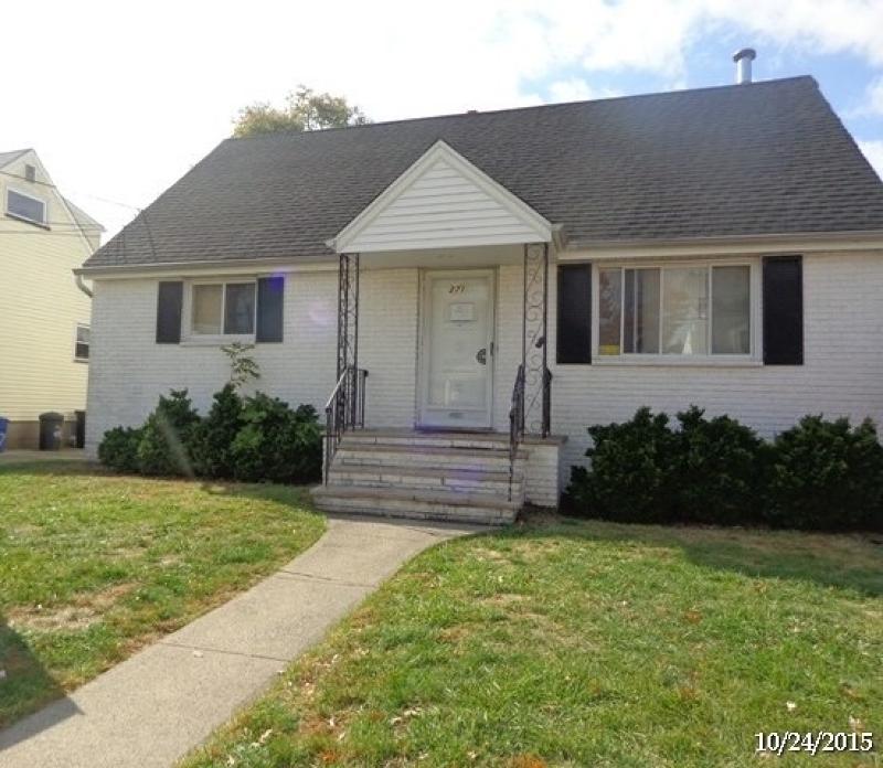 Maison unifamiliale pour l Vente à 271 Fairway Avenue Belleville, New Jersey 07109 États-Unis