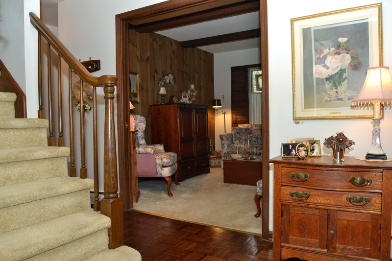 Additional photo for property listing at 37 Mickens Ln LAKEFRONT  Bloomingdale, New Jersey 07403 États-Unis