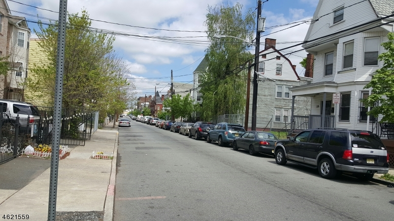 Additional photo for property listing at Address Not Available  Newark, Nueva Jersey 07107 Estados Unidos