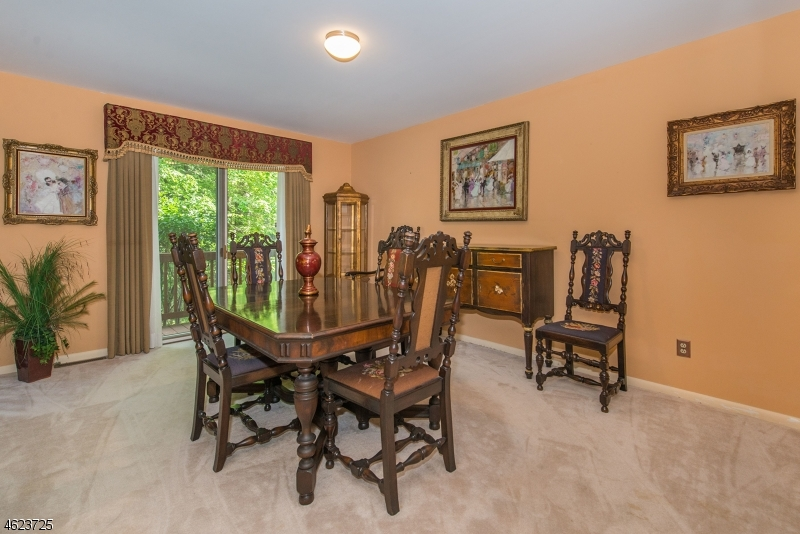 Additional photo for property listing at 430 DOGWOOD CT 6  Woodland Park, Nueva Jersey 07424 Estados Unidos