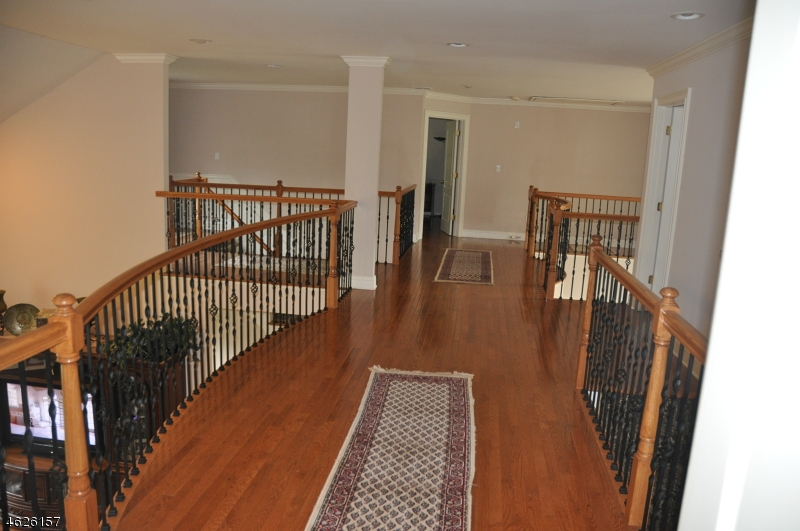 Additional photo for property listing at 5 LANNING WAY  Hillsborough, Нью-Джерси 08844 Соединенные Штаты