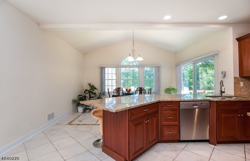 Additional photo for property listing at 32 Morning Glory Road  Warren, New Jersey 07059 États-Unis