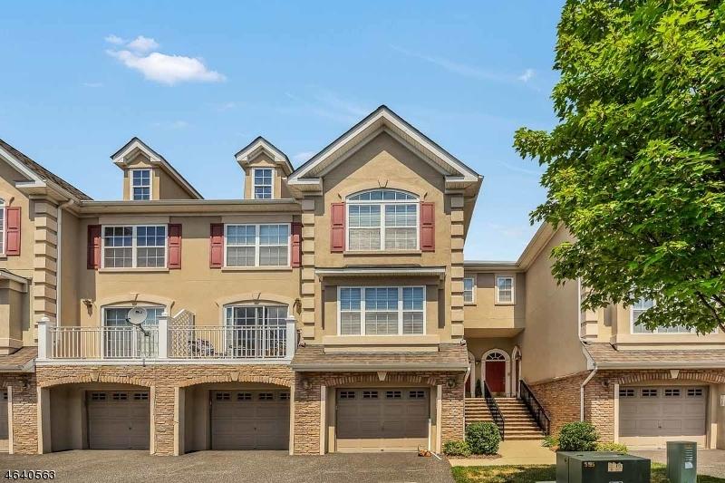 独户住宅 为 销售 在 155 Blue Heron Drive 斯考克斯市, 07094 美国