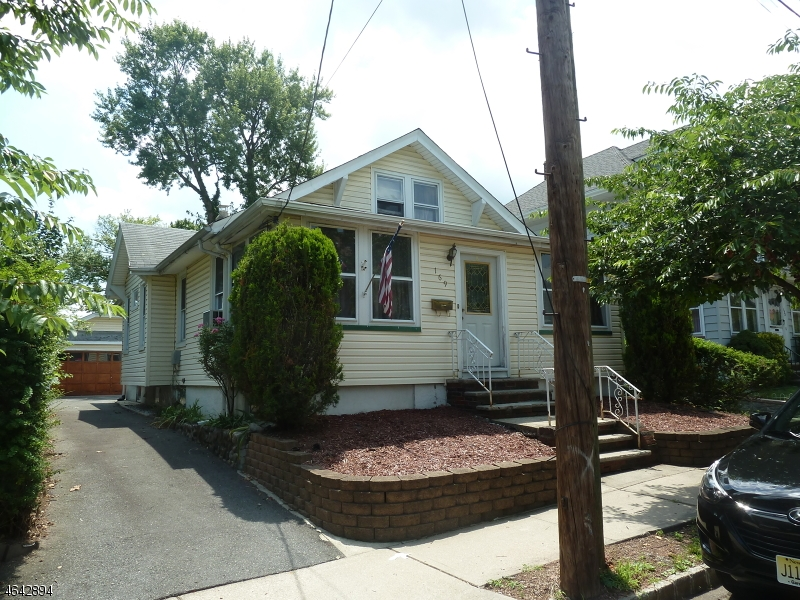 Additional photo for property listing at 169 TAPPAN Avenue  Belleville, Нью-Джерси 07109 Соединенные Штаты