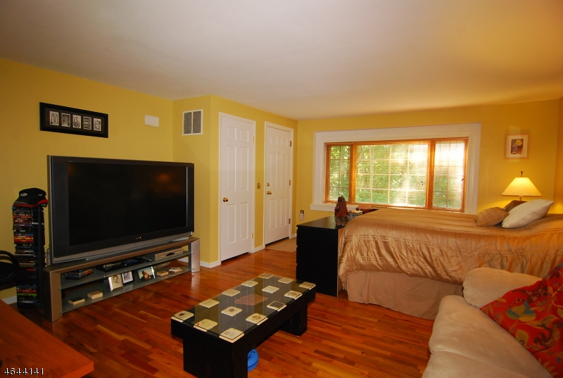 Additional photo for property listing at 4 Golden Crowned Kinglet  Hackettstown, New Jersey 07840 United States