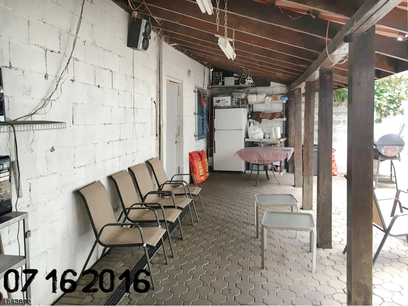 Additional photo for property listing at 118-120 Fleming Avenue  纽瓦克市, 新泽西州 07105 美国