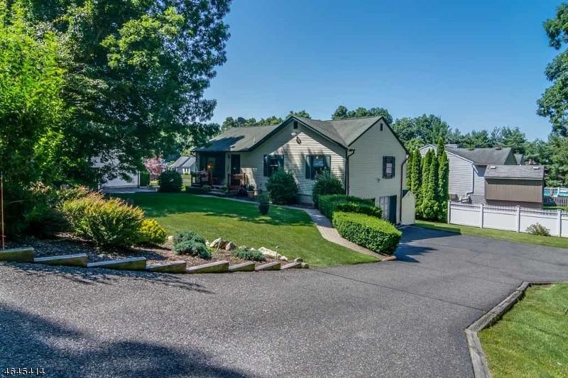 Casa Unifamiliar por un Venta en 16 Ash Street Stanhope, Nueva Jersey 07874 Estados Unidos