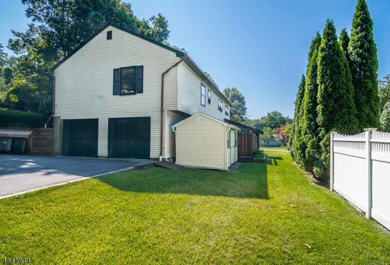 Additional photo for property listing at 16 Ash Street  Stanhope, Nueva Jersey 07874 Estados Unidos