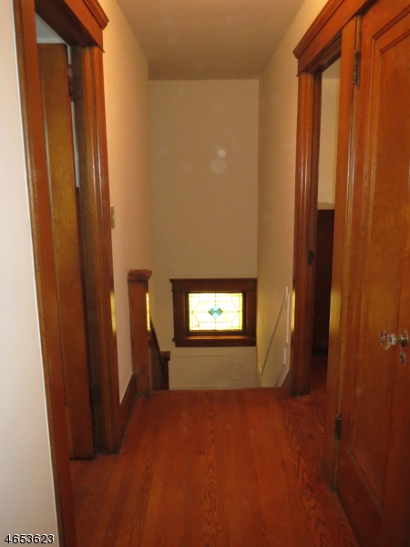 Additional photo for property listing at 337 E 1st Street  Clifton, Нью-Джерси 07011 Соединенные Штаты