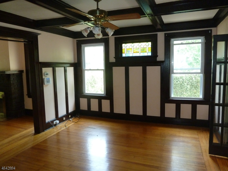 Additional photo for property listing at 169 TAPPAN Avenue  Belleville, 新泽西州 07109 美国