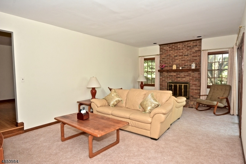 Additional photo for property listing at 1 Blackwell Road  Flemington, New Jersey 08822 United States