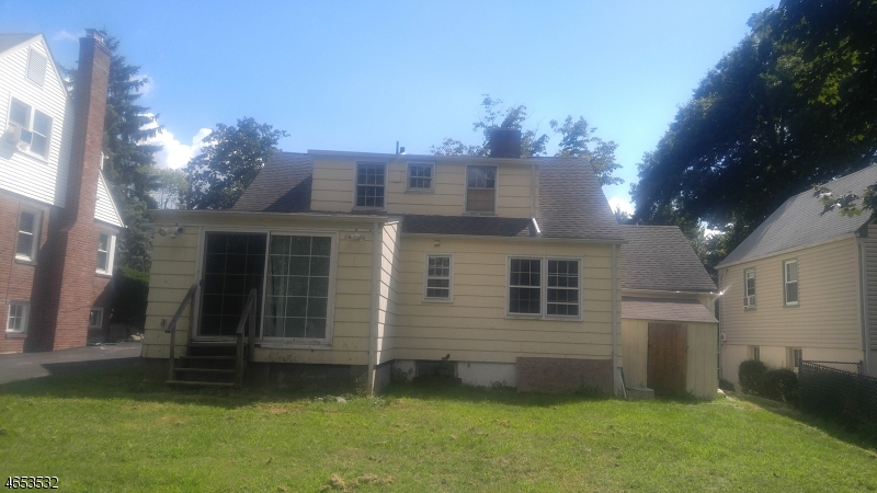 Additional photo for property listing at 19 Crystal Avenue  West Orange, New Jersey 07052 États-Unis