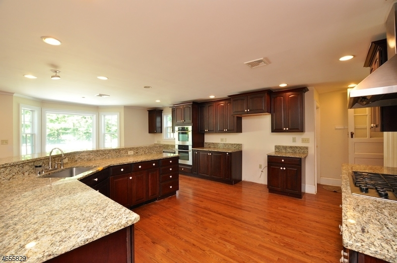 Additional photo for property listing at 54 Meyersville Road  Chatham, New Jersey 07928 États-Unis